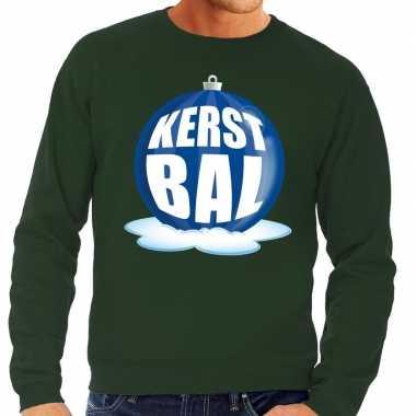 Foute kersttrui kerstbal blauw op groene sweater voor man