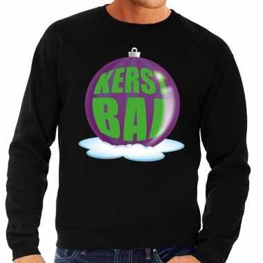 Foute kersttrui kerstbal paars op zwarte sweater voor man