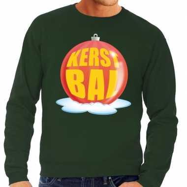Foute kersttrui kerstbal rood op groene sweater voor man