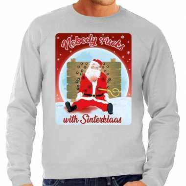 Foute kersttrui nobody fucks with sinterklaas grijs voor man