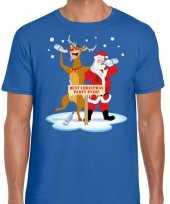 Foute kerst trui dronken kerstman en rudolf blauw man