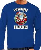 Grote maten foute kersttrui outfit northpole roulette blauw voor man